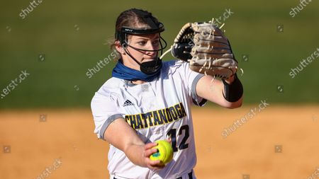 Chattanooga's Hannah Wood throws to a batter during an NCAA college softball game against Chattanooga, in Nashville, Tenn
