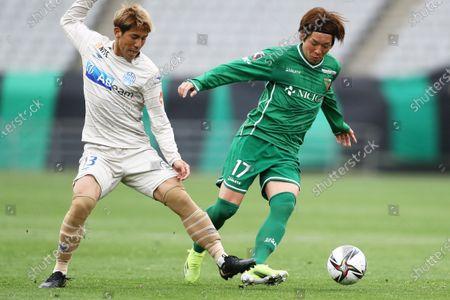 (L to R) Koki Kido (Montedio), Koken Kato (Verdy) - Football / Soccer : 2021 J2 League match between Tokyo Verdy 0-2 Montedio Yamagata at Ajinomoto Stadium in Tokyo, Japan.