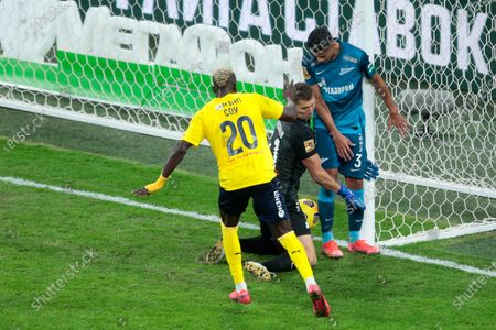 goalkeeper Mikhail Kerzhakov of FC Zenit, midfielder Wilmar Barrios of FC Zenit and forward Ali Sowe of FC Rostov in action