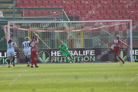 Toni Duggan of Atletico Madrid Women missing a penalty during the Women's UEFA Champions League Round of 16 match between Atletico Madrid and Chelsea FC Women at Brianteo Stadium in Monza on March 10, 202 Italy.