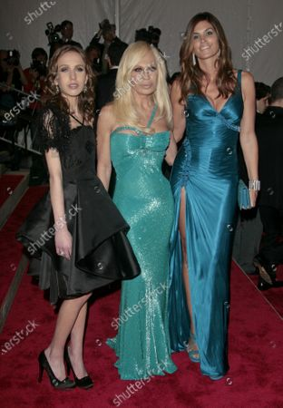 Editorial photo of 'The Model as Muse: Embodying Fashion' Benefit Gala at the Metropolitan Museum of Art Costume Institute, New York, America - 04 May 2009