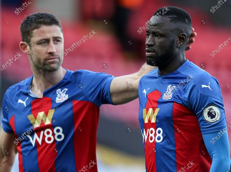 Football - 2020 /2021 Premier League - Crystal Palace vs West Bromwich Albion - Selhurst Park Gary Cahill of Crystal Palace and Cheikhou Kouyate walk off at full time