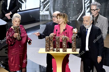 The Splendid Troop Josiane Balasko, Michel Blanc, Thierry Lhermitte, Marie-Anne Chazel, Gerard Jugnot, Christian Clavier and Bruno Moynot receive the Honorary Cesar award