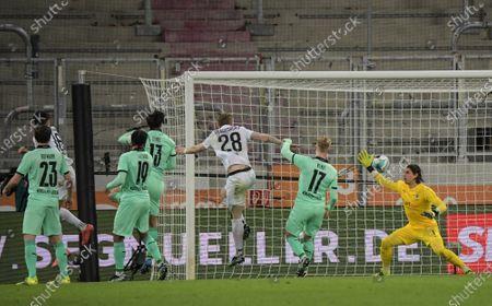 Ruben Vargas #16 (FC Augsburg) scores the 1:0 goal, Yann Sommer #1 (Borussia Mönchengladbach)
