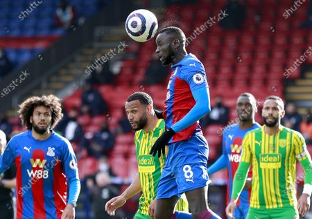 Cheikhou Kouyate (C) of Crystal Palace in action during the English Premier League soccer match between Crystal Palace and West Bromwich Albion in London, Britain, 13 March 2021.