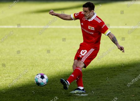 Union's Max Kruse scores the 1-1 equalizer from the penalty spot during the German Bundesliga soccer match between FC Union Berlin and FC Koeln in Berlin, Germany, 13 March 2021.