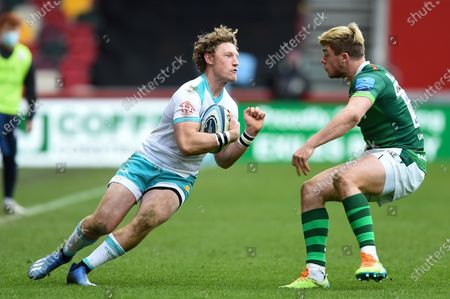 Stock Photo of Tom Howe of Worcester Warriors in possession