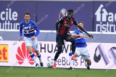 """Antonio Candreva (Sampdoria)Musa Barrow (Bologna)Bartosz Bereszynski (Sampdoria)        during the Italian """"Serie A"""" match between Bologna 3-1 Sampdoria  at  Renato Dall Ara Stadium in Bologna, Italy."""