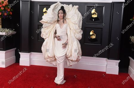 Noah Cyrus arrives at the 63rd annual Grammy Awards at the Los Angeles Convention Center
