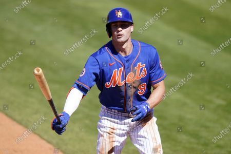New York Mets' Brandon Nimmo (9) draws a walk during the sixth inning of a spring training baseball game against the St. Louis Cardinals, in Port St. Lucie, Fla
