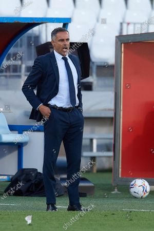 Jose Gomes of Almeria gives instructions during the La Liga Smartbank match between UD Almeria and UD Las Palmas at Estadio Juegos del Mediterraneo on February 14, 2021 in Almeria, Spain. Sporting stadiums around Spain remain under strict restrictions due to the Coronavirus Pandemic as Government social distancing laws prohibit fans inside venues resulting in games being played behind closed doors.