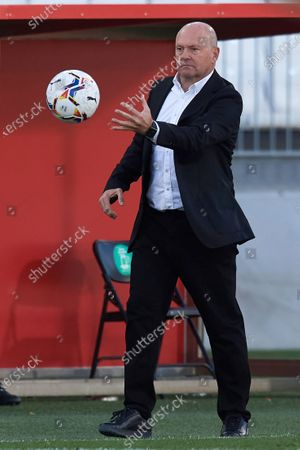 Pepe Mel head coach of Las Palmas during the La Liga Smartbank match between UD Almeria and UD Las Palmas at Estadio Juegos del Mediterraneo on February 14, 2021 in Almeria, Spain. Sporting stadiums around Spain remain under strict restrictions due to the Coronavirus Pandemic as Government social distancing laws prohibit fans inside venues resulting in games being played behind closed doors.