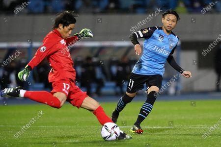 Stock Picture of (L-R) Kim Seung Gyu (Reysol), Yu Kobayashi (Frontale) - Football / Soccer :  2021 J1 League match between Kawasaki Frontale 1-0 Kashiwa Reysol at Kawasaki Todoroki Stadium, Kanagawa, Japan.
