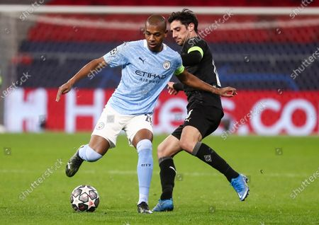 Fernandinho of Manchester City and Lars Stindl of Borussia Monchengladbach