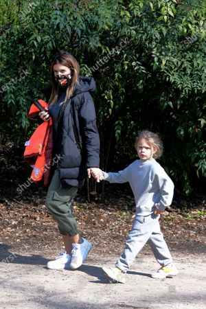 Exclusive - Elisabetta Canalis with her daughter Skyler Eva at the park