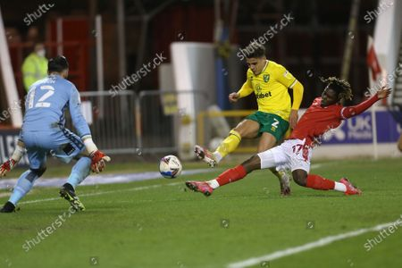 Nottingham Forest's Jordan Smith saves from Norwich's Max Aarons