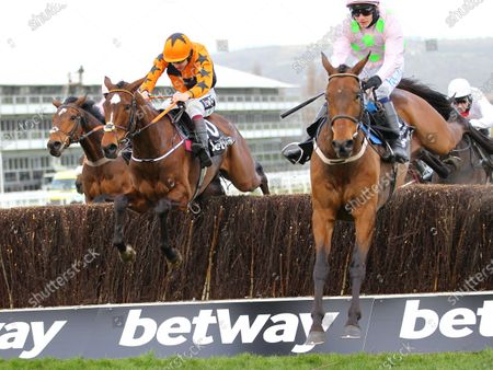 Put The Kettle On and Aidan Coleman win the Betway Queen Mother Champion Chase from Nube Negra and Chacun Pour Soi.