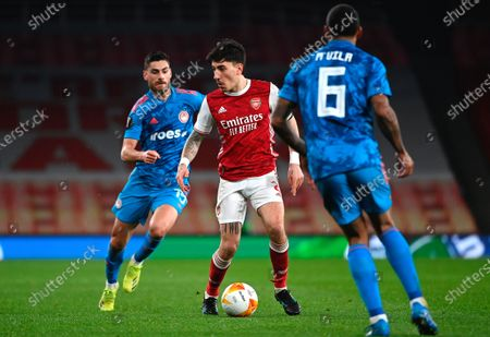 Arsenal's Hector Bellerin (C) in action during the UEFA Europa League round of 16, second leg soccer match between Arsenal FC and Olympiacos Piraeus in London, Britain, 18 March 2021.