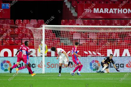 "Franco ""Mudo"" Vazquez of Sevilla scores a goal"