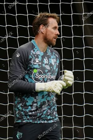 Goalkeeper Rob Elliot of Watford warms up before kick off