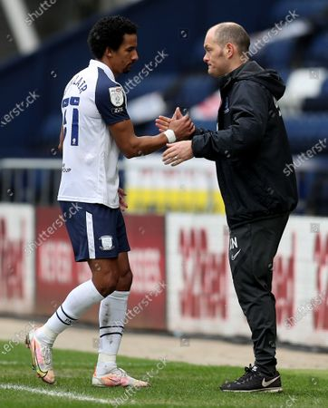 Scott Sinclair of Preston North End shakes hands with manager Alex Neill as he is substituted; Deepdale Stadium, Preston, Lancashire, England; English Football League Championship Football, Preston North End versus Luton Town.