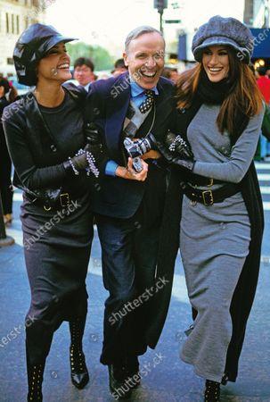 Bill Cunningham with models Nadege du Bospertus (L) and Susan Holmes, Vogue, 1992. Bill Cunningham, Nadege du Bospertus, Susan Holmes
