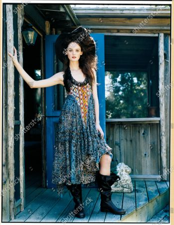 Editorial image of Vogue October 2005 Fashion