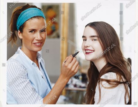 Editorial picture of Teen Vogue December/January 2007 Beauty