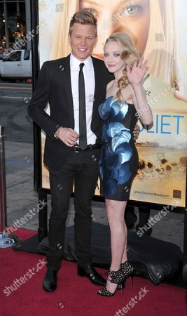 Christopher Egan and Amanda Seyfried