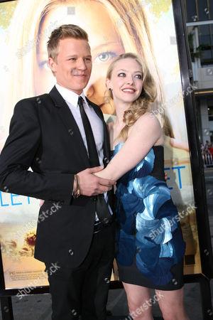 Chris Egan and Amanda Seyfried
