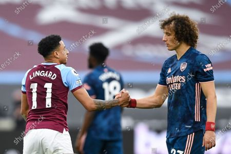 Jesse Lingard of West Ham United shakes hands with David Luiz of Arsenal at full-time