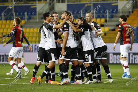 Parma's Graziano Pelle (C) celebrates with his teammates after scoring the 1-0 goal during the Italian Serie A soccer match Parma Calcio vs Genoa CFC at Ennio Tardini stadium in Parma, Italy, 19 March 2021.