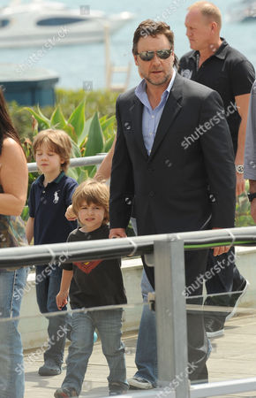 Russell Crowe with sons Tennyson (superman T-shirt) and Charlie