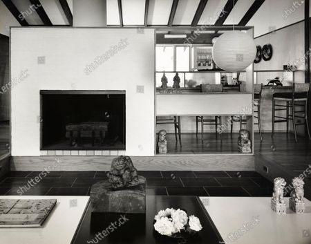 A Vacation Kitchen - residence of the Ted Deglins; architects, Raymond and Rayo; New York City; living room.