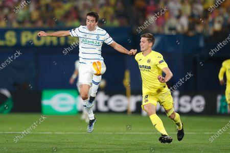 (L-R) Carlos de Pena (Kyiv), Juan Foyth (Villarreal) - Football / Soccer : UEFA Europa League Round of 16 2nd leg match between Villarreal CF 2-0 FC Dynamo Kyiv at the Estadio de la Ceramica in Vila-Real, Spain.