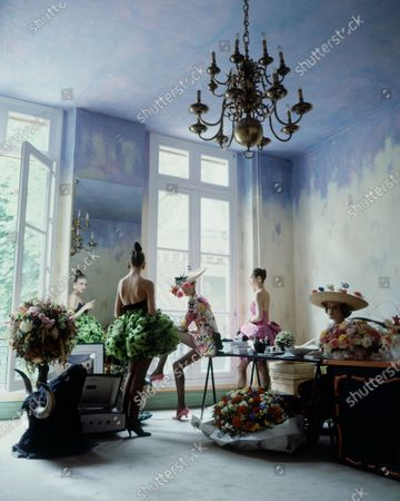 Editorial picture of House & Garden March 01, 1988 Fashion