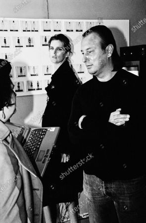 Model Stella Tennant and designer Helmut Lang discuss the show backstage. Helmut Lang, Stella Tennant