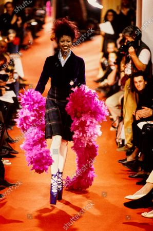 Vivienne Westwood Fall 1993 RTW runway show. Naomi Campbell