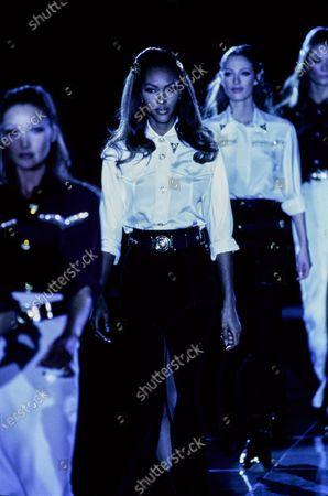 Versace Fall 1992 RTW runway show. Yasmin Warsame