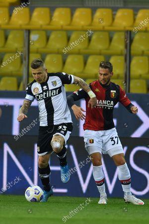 "Juraj Kucka (Parma)Marko Pjaca (Genoa)           during the Italian ""Serie A"" match between Parma 1-2 Genoa at  Ennio Tardini Stadium in Parma, Italy."