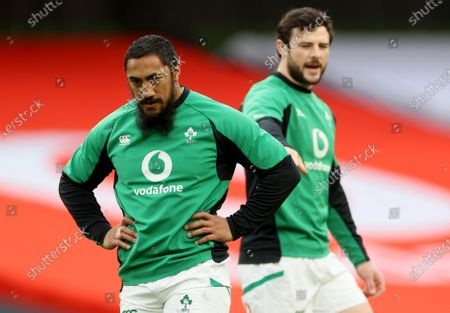 Ireland vs England. Ireland's Bundee Aki and Robbie Henshaw