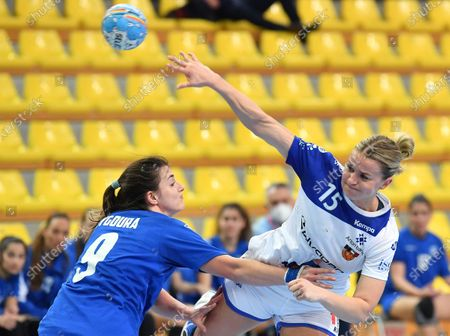 Eva Bjork Davidsdottir (R) of Iceland in action against Agni Zygoura (L) of Greece during the 2021 World Women's Handball Championship qualifying match between Iceland and Greece in Skopje, Republic of North Macedonia, 20 March 2021.