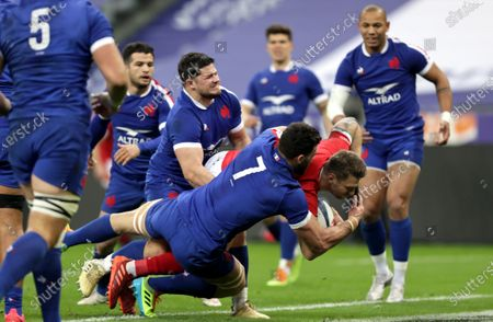 France vs Wales. Wales' Dan Biggar scores his sides first try