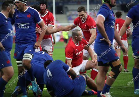 France vs Wales. Wales' Josh Navidi celebrates his try with Adam Beard, Ken Owens and George North