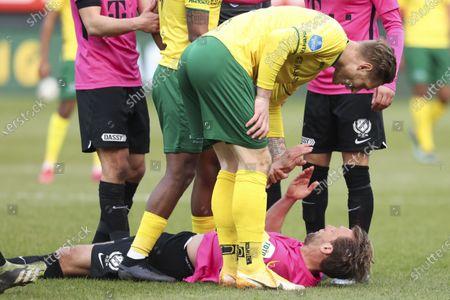 Sebastian Polter of Fortuna Sittard, Willem Janssen of FC Utrecht