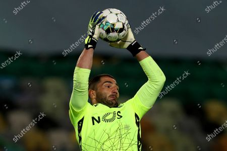 Sporting's goalkeeper Antonio Adan in action during the Portuguese League football match between Sporting CP and Vitoria SC at Jose Alvalade stadium in Lisbon, Portugal on March 20, 2021.