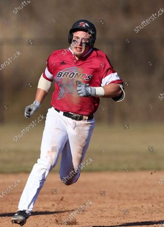 Rider Broncos' Kyle Johnson (5) in action against the Niagra Purple Eagles during a college baseball game at Rider University in Lawrenceville, N.J