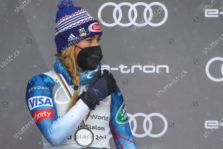 Stock Image of United States' Mikaela Shiffrin poses with her medal after finishing second in the alpine ski, women's World Cup giant slalom discipline standings, in Lenzerheide, Switzerland