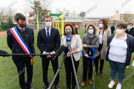 Damien Allouch, Olivier Veran, Roxana Maracineanu, Marie Guevenoux and guests.  French Health and Social Affairs Minister Olivier Veran and French Junior Sports Minister Roxana Maracineanu meet an adapted physical activity structure APA de Geants which allows chronically ill people to practice sport in their therapeutic journey.