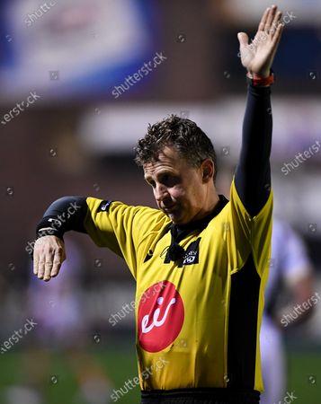 Cardiff Blues vs Edinburgh. Referee Nigel Owens